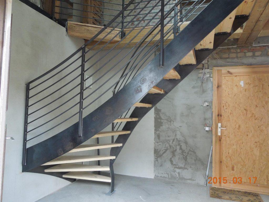 Stahlbau IWUP Treppen 3-min