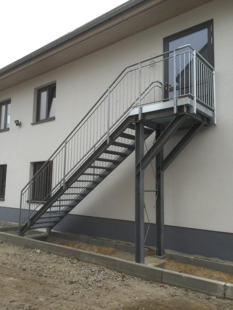Stahlbau IWUP Treppen 4-min