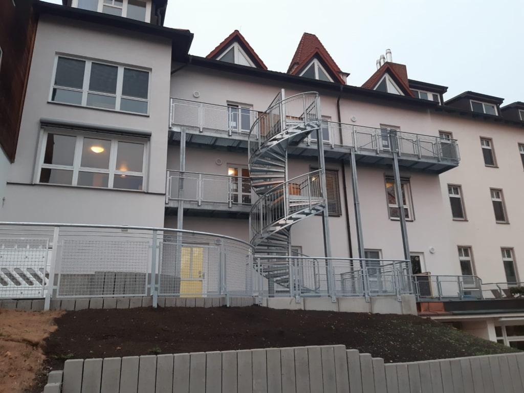 Fluchtreppenanlage am Klinikgebäude