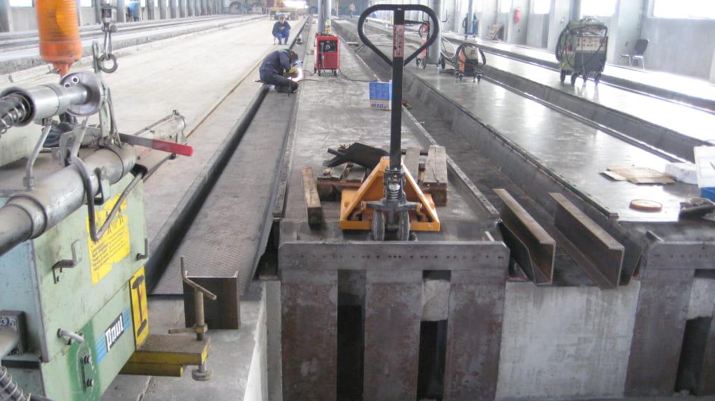 Fertigungsbahnen für Spanbeton-Deckenplatten-min
